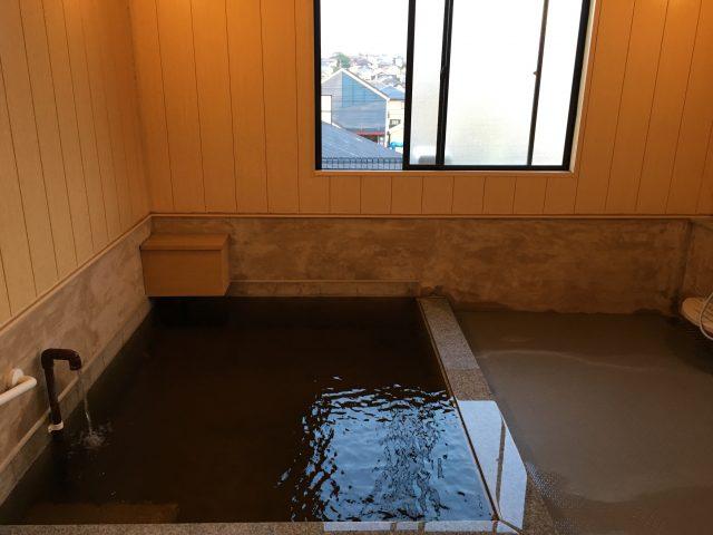 天然町温泉浴槽